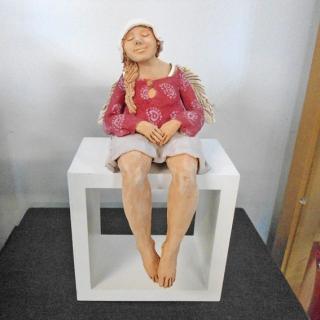 7328 - Anioł siedzący