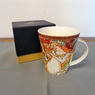 06 - Kubek porcelanowy Alfons Mucha