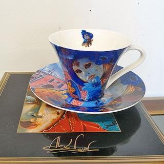 10 - Filiżanka herbaciana Maska Wenecka