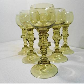 09 - Komplet kieliszków do wina